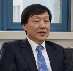 Professor Kim Tong-Suk selected as the new Dean of KAIST College of Business. 이미지