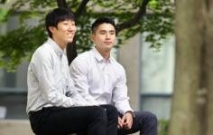 Korean PhDs are heading abroad to teach students. 이미지